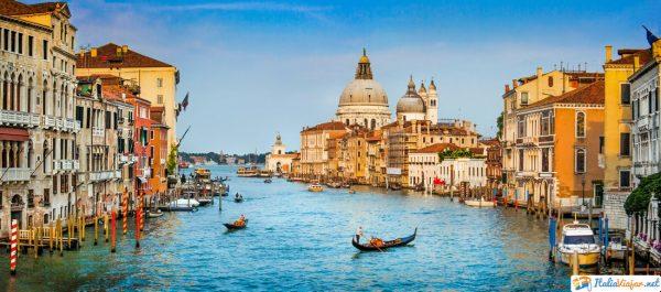 el gran canal de venecia en italia